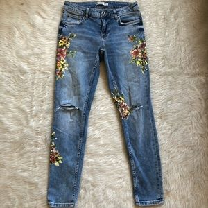 Zara Basics Denim Distressed Jeans with Floral 4